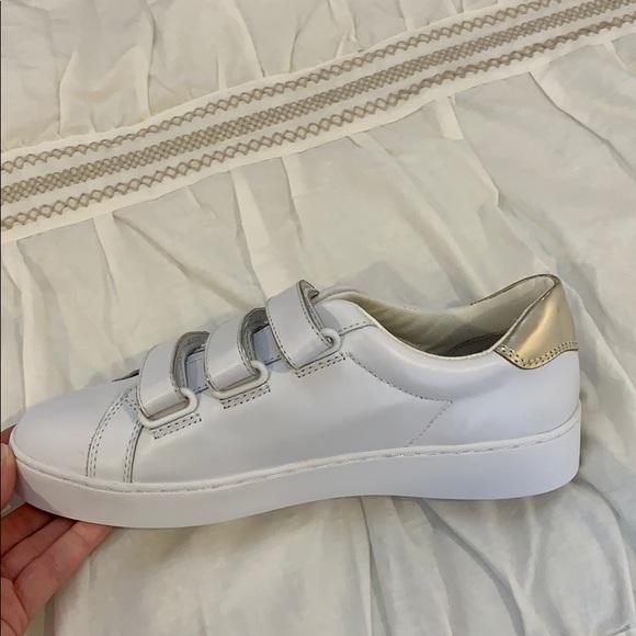 Vionic Shoes | Velcro | Poshmark